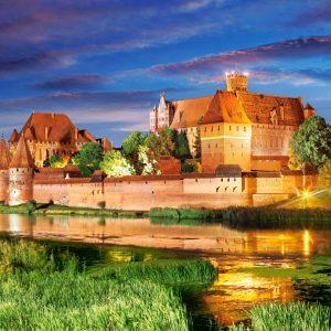 Castorland103010 2 Malbork Castle Poland 01 Legpuzzels