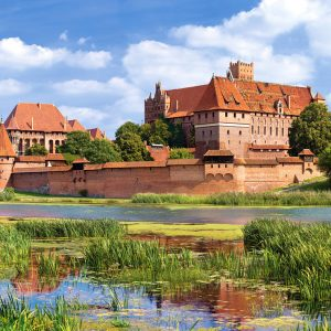 Castorland300211 2 Malbork Castle Poland 01 Legpuzzels