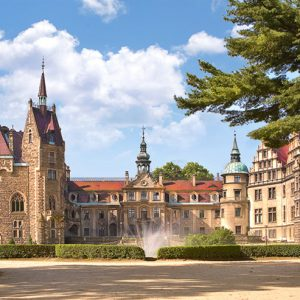 Castorland400027 2 Moszna Castle Poland 01 Legpuzzels